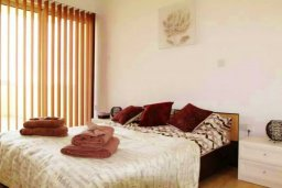 Спальня. Кипр, Ларнака город : Великолепный пентхаус в комплексе в бассейном, с гостиной, двумя спальнями, двумя ванными комнатами и большим балконом