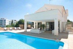 Фасад дома. Кипр, Фиг Три Бэй Протарас : Роскошная вилла с видом на Средиземное море, с 3-мя спальнями, с бассейном, тенистой террасой с патио и барбекю