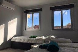 Спальня. Кипр, Ларнака город : Современный апартамент в центре Ларнаки, с гостиной, отдельной спальней и балконом