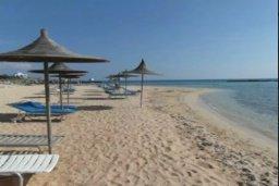Ближайший пляж. Кипр, Сиренс Бич - Айя Текла : Уютная вилла с бассейном в 100 метрах от моря, 3 спальни, 2 ванные комнаты, барбекю, парковка, Wi-Fi