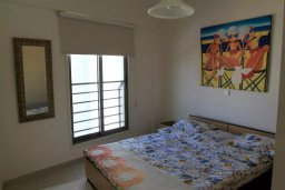 Спальня. Кипр, Ларнака город : Прекрасный апартамент недалеко от пляжа, с гостиной, двумя спальнями и балконом