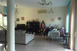Гостиная. Кипр, Гермасойя Лимассол : Прекрасный мезонет в комплексе с бассейном и детской площадкой, 4 спальни, 3 ванные комнаты, приватный дворик, парковка, Wi-Fi