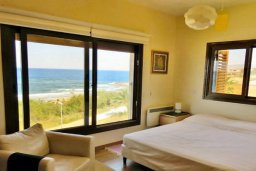 Спальня. Кипр, Хлорака : Роскошный пентхаус в комплексе с бассейном, с гостиной, тремя спальнями и патио с шикарным видом на море