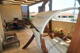 Балкон. Кипр, Хлорака : Роскошный пентхаус в комплексе с бассейном, с гостиной, тремя спальнями и патио с шикарным видом на море