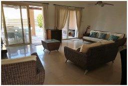 Гостиная. Кипр, Корал Бэй : Восхитительная вилла с бассейном и солярием на крыше, 4 спальни, 3 ванные комнаты, парковка, Wi-Fi