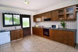 Кухня. Кипр, Помос : Шикарная вилла с бассейном в 50 метрах от моря, 5 спален, 4 ванные комнаты, барбекю, парковка, Wi-Fi