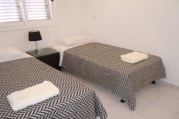 Спальня 2. Кипр, Пафос город : Апартамент в комплексе с 2-мя бассейнами и зеленой территорией, с гостиной, двумя спальнями и балконом