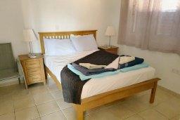 Спальня. Кипр, Пафос город : Апартамент в комплексе с 2-мя бассейнами и зеленой территорией, с гостиной, двумя спальнями, двумя ванными комнатами и балконом