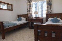 Спальня 2. Кипр, Пафос город : Апартамент в комплексе с бассейном и садом, с гостиной, двумя спальнями и балконом