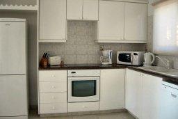 Кухня. Кипр, Си Кейвз : Прекрасная вилла с бассейном и видом на море, 3 спальни, 3 ванные комнаты, парковка, Wi-Fi