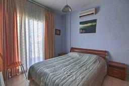 Спальня 2. Кипр, Дасуди Лимассол : Трехуровневый таунхаус с приватным двориком в комплексе с бассейном, 3 спальни, 2 ванные комнаты, барбекю, парковка, Wi-Fi