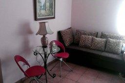 Гостиная. Кипр, Дасуди Лимассол : Уютный дом с приватным двориком с барбекю, 4 спальни, 3 ванные комнаты, парковка, Wi-Fi