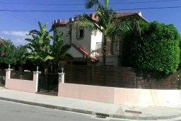 Фасад дома. Кипр, Дасуди Лимассол : Уютный дом с приватным двориком с барбекю, 4 спальни, 3 ванные комнаты, парковка, Wi-Fi