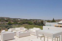 Патио. Кипр, Каво Марис Протарас : Шикарная вилла с бассейном и двориком с барбекю, 4 спальни, 4 ванные комнаты, лифт, патио на крыше с видом на море, джакузи, паркинг, Wi-Fi