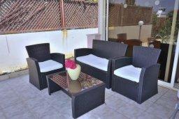 Патио. Кипр, Киссонерга : Уютная вилла с панорамным видом на Средиземное море, с 2-мя спальнями, с бассейном, садом с барбекю и террасой на крыше