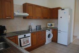 Кухня. Кипр, Корал Бэй : Великолепная вилла с шикарным видом на море, с 5-ю спальнями, с бассейном, зелёным двориком с барбекю и патио