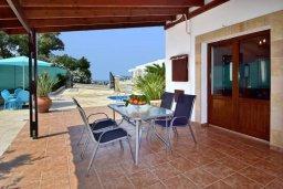 Терраса. Кипр, Полис город : Прекрасная вилла с 3-мя спальнями, с бассейном, тенистой террасой с патио и барбекю