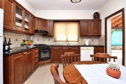 Кухня. Кипр, Полис город : Прекрасная вилла с 3-мя спальнями, с бассейном, тенистой террасой с патио и барбекю