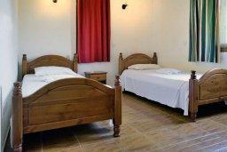 Спальня 2. Кипр, Полис город : Прекрасная вилла с 3-мя спальнями, с бассейном, тенистой террасой с патио и барбекю