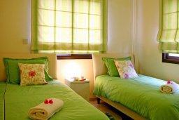 Спальня 2. Кипр, Куклия : Прекрасная вилла с бассейном и красивым садом, 3 спальни, 2 ванные комнаты, барбекю, парковка, Wi-Fi