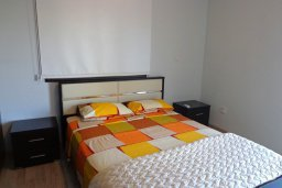 Спальня. Кипр, Куклия : Прекрасная вилла с бассейном и зеленым двориком, 4 спальни, 2 ванные комнаты, барбекю, парковка, Wi-Fi