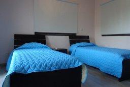 Спальня 3. Кипр, Куклия : Прекрасная вилла с бассейном и зеленым двориком, 4 спальни, 2 ванные комнаты, барбекю, парковка, Wi-Fi