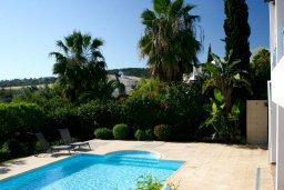 Бассейн. Кипр, Лачи : Прекрасная вилла с бассейном и зеленым двориком с барбекю, 3 спальни, 3 ванные комнаты, парковка, Wi-Fi