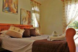 Спальня. Кипр, Корал Бэй : Сказочная вилла с 3-мя спальнями, бассейном, зелёным двориком с барбекю и тенистой террасой с патио