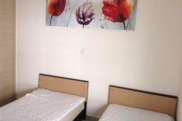Спальня 2. Кипр, Ларнака город : Уютный апартамент с гостиной, двумя спальнями и балконом