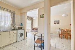 Кухня. Кипр, Дасуди Лимассол : Мезонет 4 спальни, 3 ванные комнаты, парковка