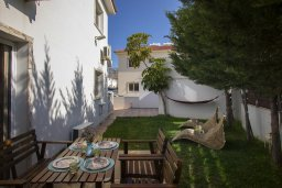 Терраса. Кипр, Пернера : Уютная вилла с 2-мя спальнями, с зелёным двориком, патио и барбекю, в комплексе с общим бассейном