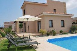Фасад дома. Кипр, Полис город : Милая вилла с видом на море, с 3-мя спальнями, с бассейном и зелёным двориком с патио и барбекю