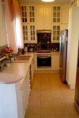 Кухня. Кипр, Лачи : Роскошная вилла с бассейном и джакузи, 3 спальни, 2 ванные комнаты, барбекю, камин, парковка, Wi-Fi
