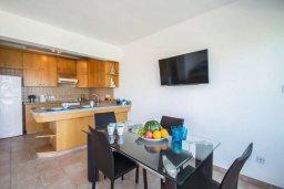 Кухня. Кипр, Пернера : Роскошная вилла с видом на море и в 20 метрах от пляжа, 3 спальни, парковка, барбекю, Wi-Fi