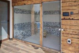 Сауна. Кипр, Паралимни : Шикарный дом с большим бассейном и джакузи, 4 спальни, 2 ванные комнаты, сауна, камин, барбекю, парковка, Wi-Fi