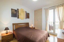 Спальня. Кипр, Св. Рафаэль Лимассол : Современный апартамент в комплексе с бассейном, с большой гостиной, двумя спальнями и балконом