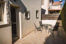 Терраса. Кипр, Гермасойя Лимассол : Прекрасная вилла с бассейном и приватным двориком, 3 спальни, 2 ванные комнаты, парковка, Wi-Fi