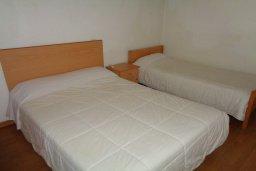Спальня. Кипр, Айос Тихонас Лимассол : Апартамент в 50 метрах от пляжа, с гостиной, отдельной спальней и балконом с видом на море