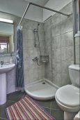 Ванная комната 2. Кипр, Гермасойя Лимассол : Роскошный апартамент с собственным садом в комплексе с бассейном, большая гостиная, 3 спальни, 3 ванные комнаты, терраса