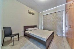 Спальня. Кипр, Пиргос : Прекрасная вилла с 3-мя спальнями, с большим бассейном и детским бассейном, и с приватным двориком с патио