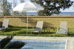 Бассейн. Кипр, Полис город : Роскошная вилла с бассейном в 40 метрах от пляжа, 2 спальни, 3 ванные комнаты, барбекю, парковка, Wi-Fi