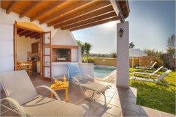 Патио. Кипр, Полис город : Эксклюзивная вилла с бассейном в 40 метрах от пляжа, 3 спальни, 3 ванные комнаты, барбекю, парковка, Wi-Fi
