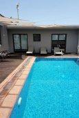 Бассейн. Кипр, Нисси Бич : Роскошная вилла с бассейном и зеленым двориком с барбекю, 3 спальни, 2 ванные комнаты, парковка, Wi-Fi