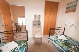 Спальня. Кипр, Нисси Бич : Уютная вилла с 3-мя спальнями, с бассейном, приватным двориком с патио и барбекю