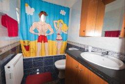 Ванная комната. Кипр, Нисси Бич : Уютная вилла с 3-мя спальнями, с бассейном, приватным двориком с патио и барбекю