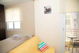 Гостиная. Кипр, Гермасойя Лимассол : Уютная современная студия в тихом месте в самом центре Лимассола