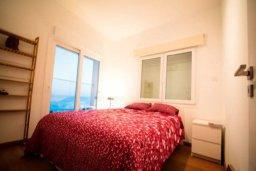Спальня. Кипр, Айос Тихонас Лимассол : Роскошные 3-спальные апартаменты прямо на пляже с невероятным захватывающим видом на море для 9-ти человек