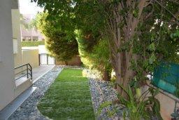 Зелёный сад. Кипр, Дасуди Лимассол : Уютная частная вилла с 3-мя спальнями для восьми гостей в Лимассоле с бассейном, барбекю и садом в 3-х минутах ходьбы от пляжа