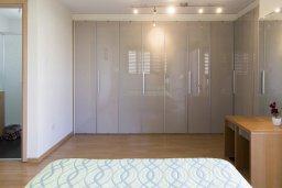 Спальня. Кипр, Декелия - Ороклини : Современная вилла с бассейном в 70 метрах от пляжа, 3 спальни, 3 ванные комнаты, барбекю, парковка, Wi-Fi