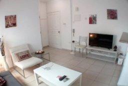 Гостиная. Кипр, Айос Тихонас Лимассол : Светлые односпальные апартаменты для 3 гостей с очаровательным видом на море